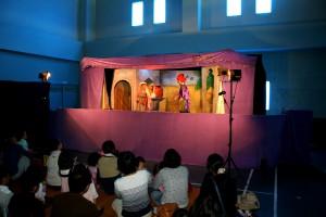 H25 10 26 144(笑顔あふれる人形劇1)